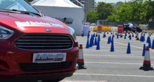 Drink Driving, Drug Driving e Hangover suit: le speciali tute Ford incontrano gli studenti