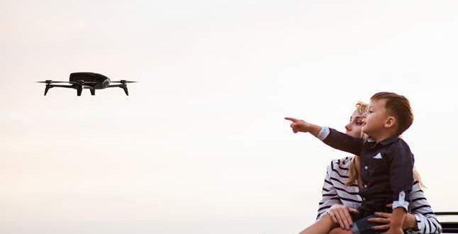 I droni Parrot Bebop per festeggiare la mamma