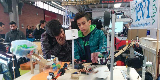"""Al via a Modena le """"Olimpiadi robotiche"""": sette scuole in gara"""